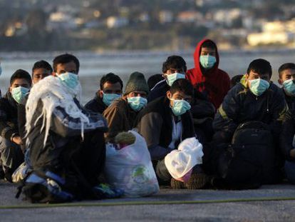Refugiados sirios desembarcados a finales de abril en la isla griega de Lesvos.