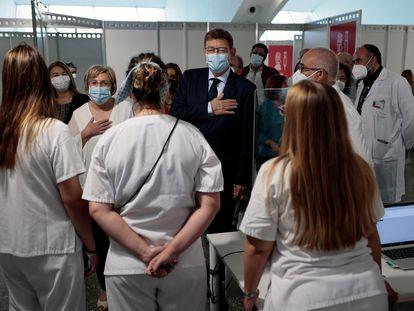 El presidente de la Generalitat, Ximo Puig, junto a la consejera de Sanidad, Ana Barceló, durante la clausura de los puntos de vacunación masiva de la Comunidad Valenciana.
