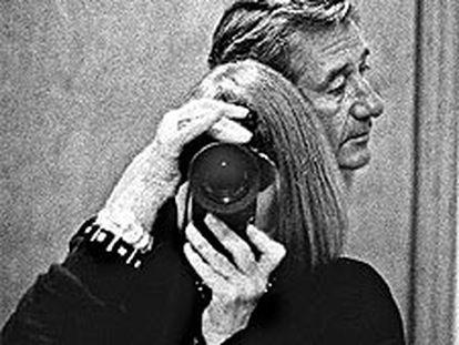 Autorretrato de Alice Springs con Helmut Newton. Realizado en Hollywood en 1991, fue la imagen de portada del libro 'us and them'