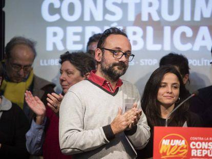 El exdiputado de la CUP, Benet Salellas, durante la rueda de prensa sobre la situación de Anna Gabriel