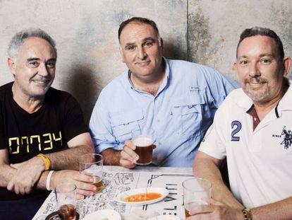 Ferrán Adrià con José Andres y Albert Adrià, en Nueva York. En vídeo, el mercado y declaraciones de José Andrés y Albert Adrià.