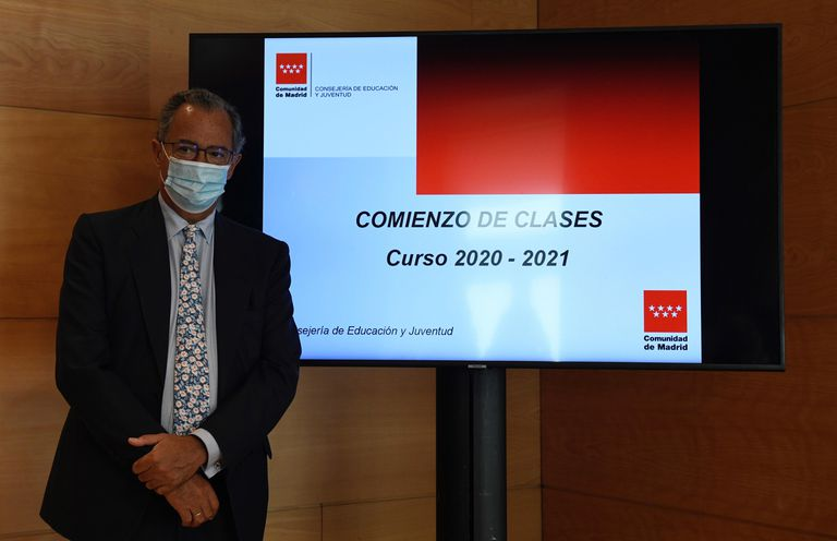 El consejero de Educación, Enrique Ossorio, presenta las medidas que adoptará la Comunidad de Madrid para el próximo curso escolar 2020/21. EFE/ Víctor Lerena
