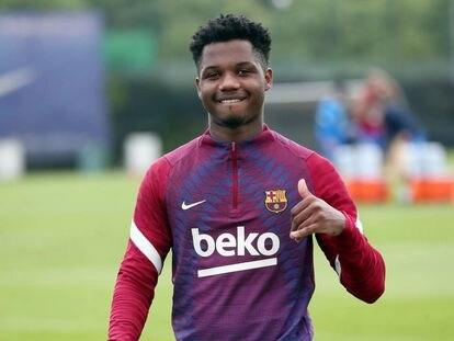 Ansu Fati, en su primer entrenamiento con el Barcelona, el 24 de agosto, tras la lesión sufrida en noviembre de 2020.