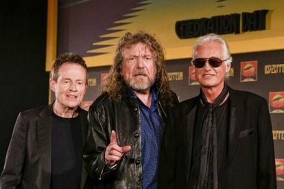 John Paul Jones, Robert Plant y Jimmy Page, los tres ex Led Zeppelin, en Londres.