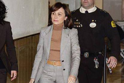 Maite Areal, esposa de Jaume Matas, entrando en el juzgado de Palma que instruye el  caso.