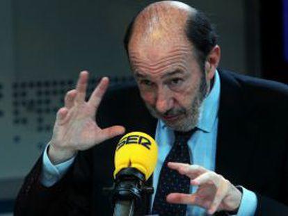 Alfredo Pérez Rubalcaba, en un momento de la entrevista en la cadena SER.