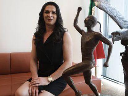 La exatleta mexicana Ana Gabriela Guevara, hoy senadora, reflexiona sobre su lucha contra los prejuicios y los problemas de la sociedad actual