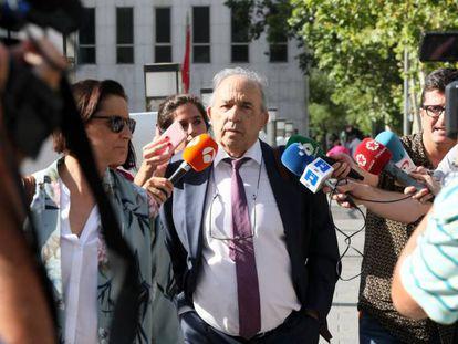 Álvarez Conde, principal implicado en la trama, a su llegada este jueves a los juzgados.