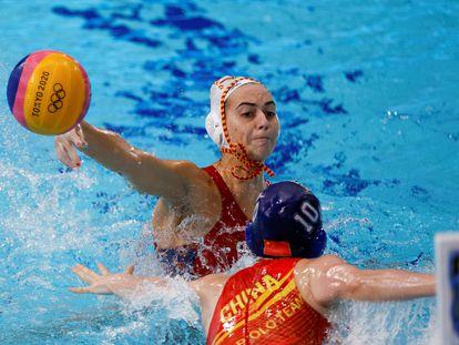 La española Bea Ortiz marca el 1-0.