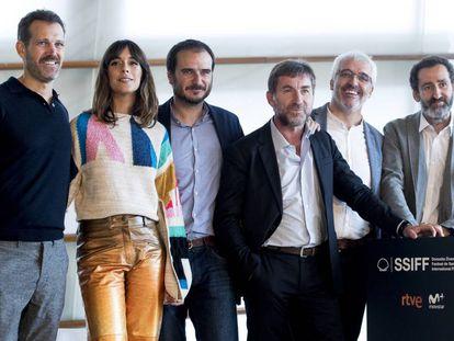 De izquierda a derecha, Jose Maria Goenaga, Belén Cuesta, Aitor Arregi, Antonio de la Torre, Vicente Vergara y Jon Garano.