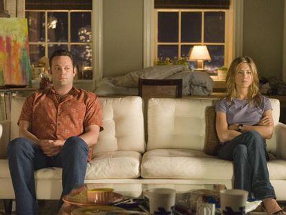 Una escena de 'Separados' (2006), en la que la rutina puede con una pareja interpretada por Vince Vaughn y Jennifer Aniston.