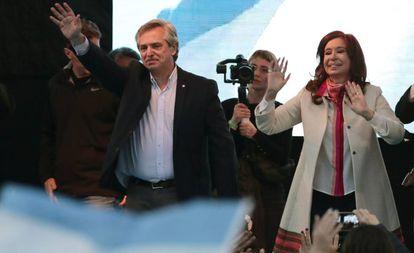 Cristina Kirchner y Alberto Fernández en la reapertura de un deportivo nombrado