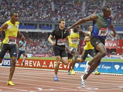 Bolt gana los 200m ante Weir y Lemaitre.