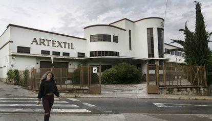 Fachada de la antigua fábrica Artèxtil de Sabadell.