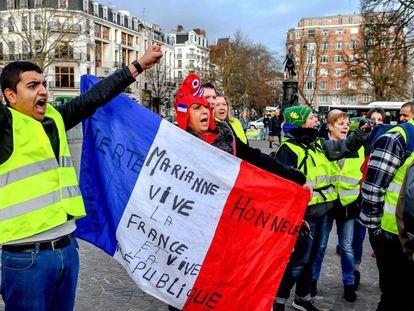 Protesta de chalecos amarillos el jueves en Lille.