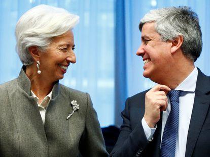 El presidente del Eurogrupo, Mário Centeno, junto a la presidenta del BCE, Christine Lagarde, el pasado mes de febrero en Bruselas.