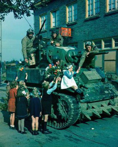 Un tanque estadounidense en la liberación de Países Bajos, en octubre de 1944.