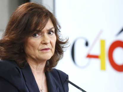 La vicepresidenta del Gobierno, Carmen Calvo, en la rueda de prensa tras el Consejo de Ministros.