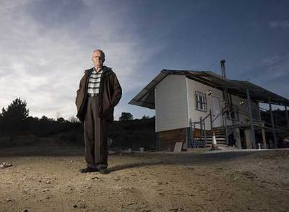Eufemiano de Céspedes vive en una casa-contenedor en Madrid.