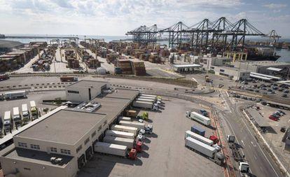 Una de las terminales del puerto de Valencia.