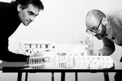 The unparelld'arquitectes studio is an architecture studio led by Eduard Callís and Guillem Moliner based in Olot.