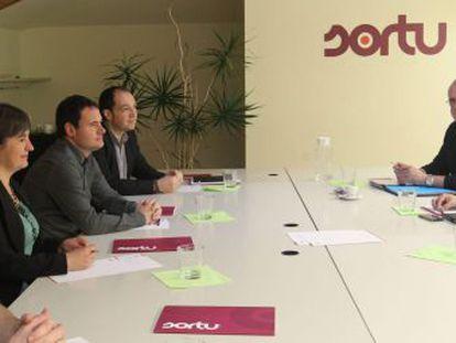 Etxeberria, Ugarteburu, Arraiz y Barrena, de Sortu, en la reunión con Egibar y Ortuzar, del PNV.