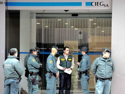 La empresa Ciegsa durante el registro de la Guardia Civil.