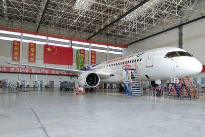 El primer prototipo del C919, antes de su vuelo inaugural en Shanghái.