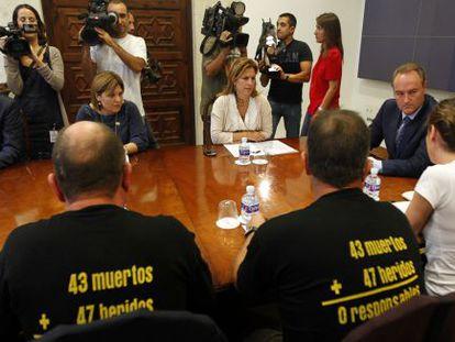 La Asociación de Víctimas 3 de Julio reunida con Alberto Fabra en octubre de 2011.
