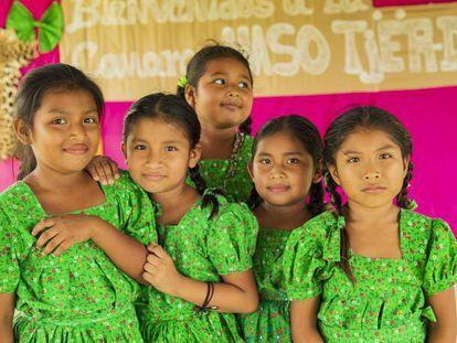 Niñas de la comunidad Naso en Panamá.