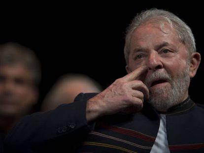 El expresidente brasileño Lula da Silva, en una reunión con intelectuales de Rio Janeiro el pasado día 16
