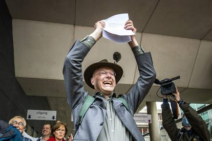 Donald Pols, director de la ONG holandesa que pleitea con Shell, tras conocer el miércoles la sentencia.
