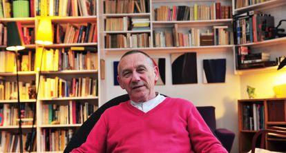 El filósofo francés Yves Michaud, en su casa de París.