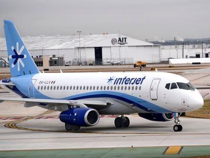 Un avión de Interjet, en San Antonio, Texas.