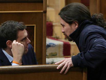Albert Rivera, de Ciudadanos, y Pablo Iglesias, de Unidos Podemos, en el Congreso de los Diputados.