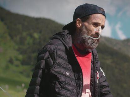 Pau Donés, en un fotograma del documental 'Eso que tú me das'.
