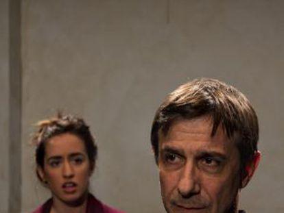 Clàudia Benito y Jordi Boixaderas en una escena de '¿Cómo decirlo?