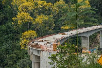 Un tramo en construcción de la Ruta del Cacao, de 153 kilómetros.
