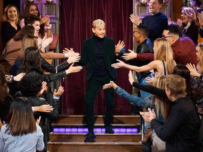 La presentadora Ellen DeGeneres, durante una visita al programa de James Corden en diciembre de 2018.
