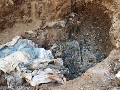 La fosa con cadáveres descubierta en una prisión de Venezuela.