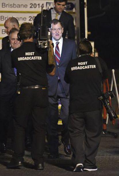 El presidente español, Mariano Rajoy, a su llegada a al aeropuerto de Brisbane (Australia).