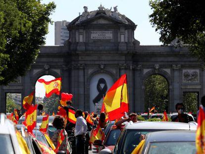 Manifestación convocada por Vox, el 23 de mayo junto a la Puerta de Alcalá, en Madrid.
