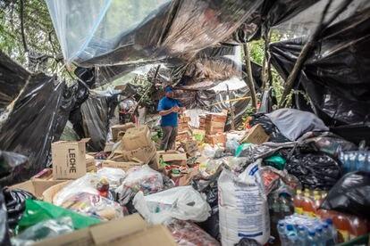 El centro de acopio de ayudas que llegan al campamento de los Venezolanos en Bogotá.