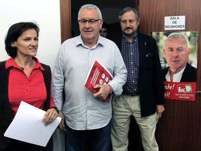 Isabel Salud. Cayo Lara y Willy Meyer, de izquierda a derecha en Bilbao.