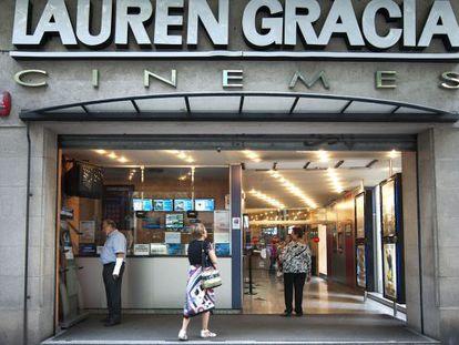El cine Lauren Gràcia, en la calle de Bailèn, ayer.