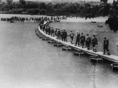 Combatientes republicanos durante la batalla del Ebro.