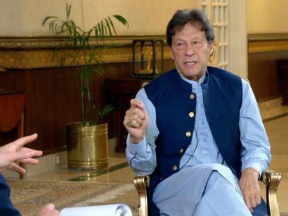 El primer ministro paquistaní, Imran Khan, durante su entrevista en Axios.