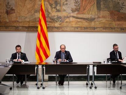 El presidente de la Generalitat, Quim Torra (centro) junto a otros miembros de su Govern.