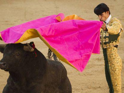Víctor Barrio toreando en Las Ventas durante las fiestas de San Isidro de este año.