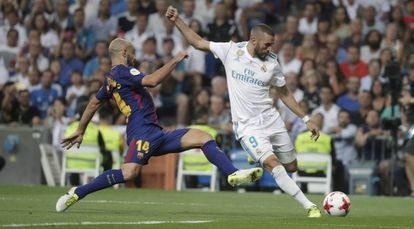 Benzema salva la entrada de Mascherano en la Supercopa de España 2017
